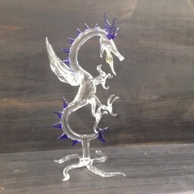 Dragon sur pied