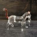 Chat avec son bébé en verre