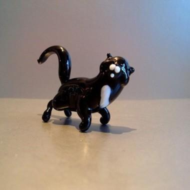 Chat noir en verre