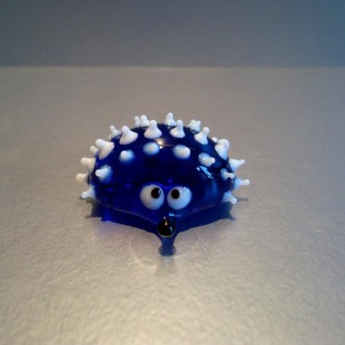 Herisson bleu en verre