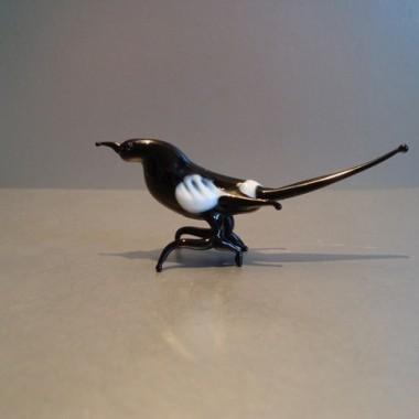 Oiseau noir en verre