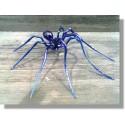 Araignée en verre bleu