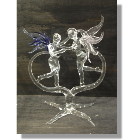 Couple avec ailes en verre