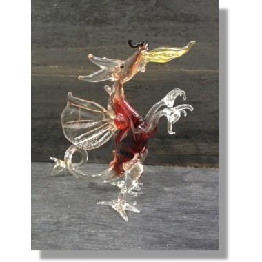 Dragon en verre rouge avec flamme