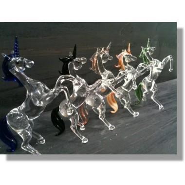 Licorne en verre avec plusieurs couleurs