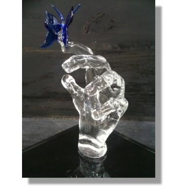 Main en verre avec papillon