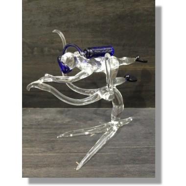Nageur en verre bleu