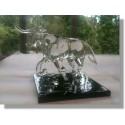 Taureau en verre transparent