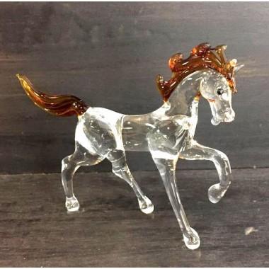 Petit cheval en verre au galop