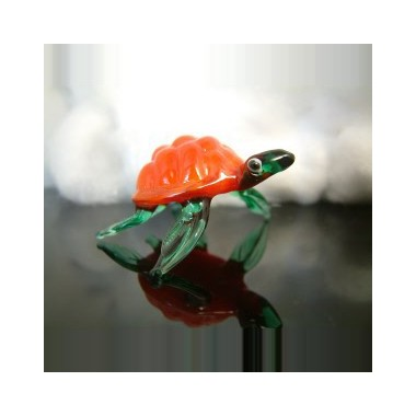 Tortue orange en verre