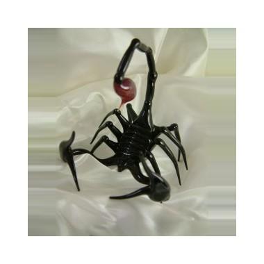 Scorpion noir en verre